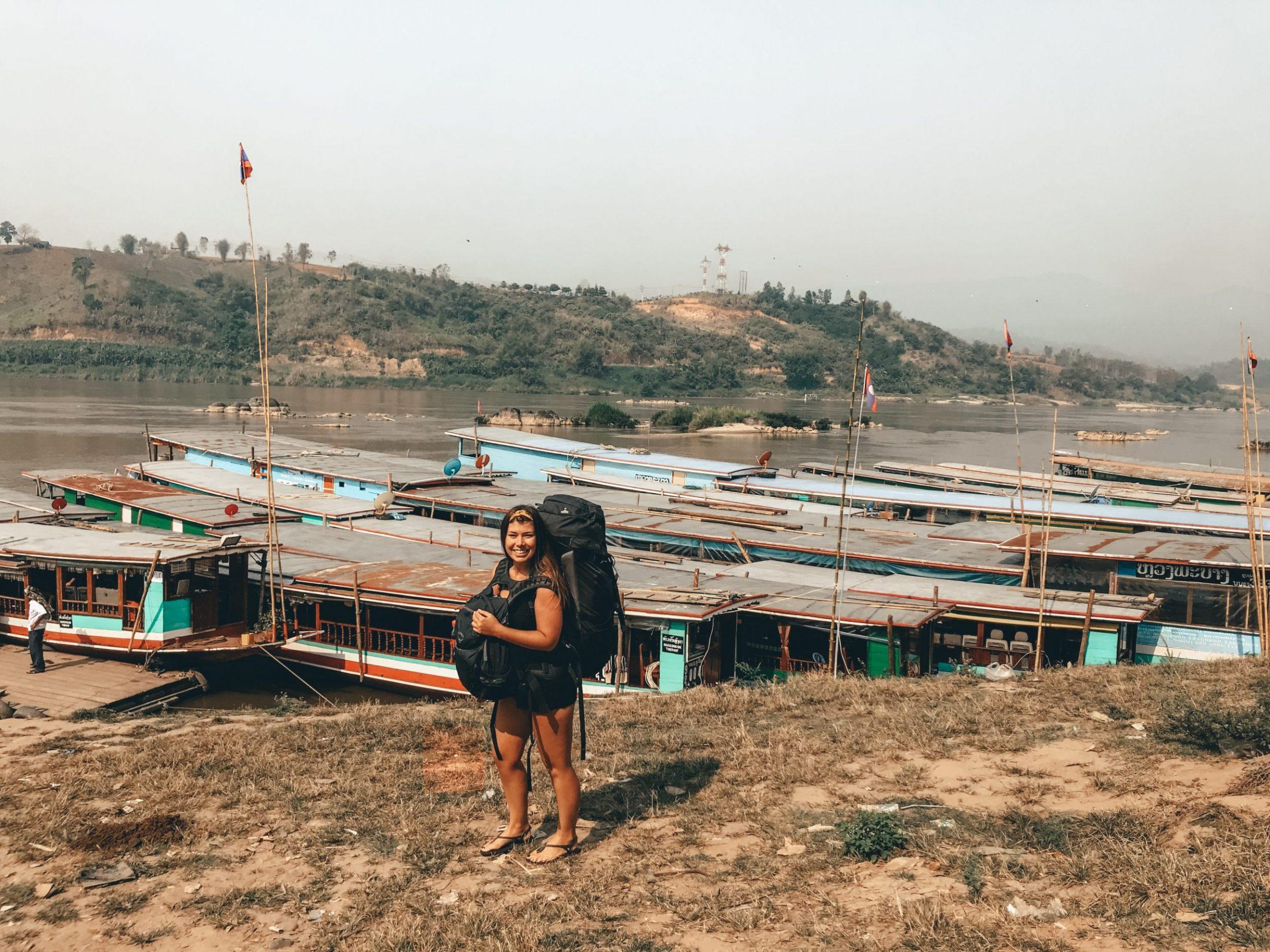 Het dorpje Huay Xai waar je de slowboat naar Luang Prabang kunt nemen