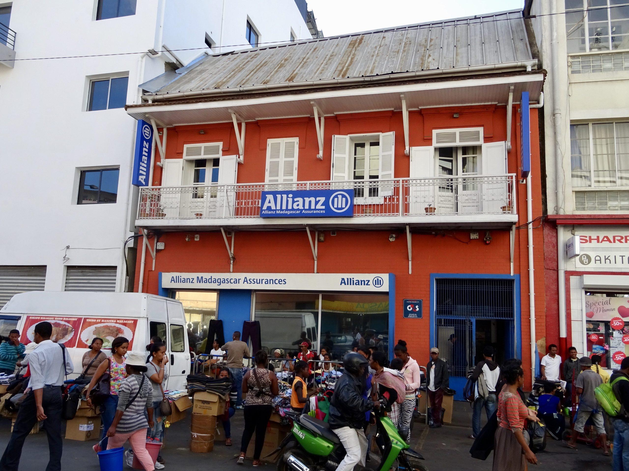 Even een verzekering afsluiten bij Allianz in Antananarivo